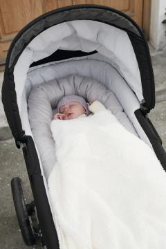 BABY DAN Unipesä